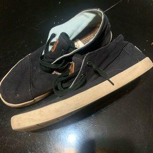 Men's Toms shoes size 11.5